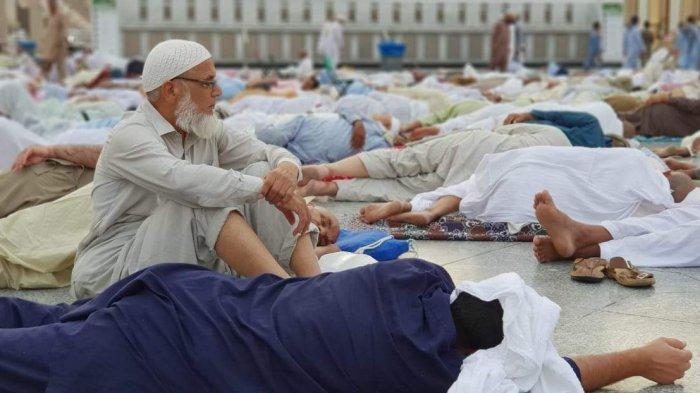 Jamaah Itikaf di Masjid Nabawi Tidak Boleh Tidut di Dalam Masjid