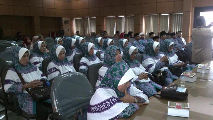 Lantunan Ayat Suci Alquran dan Talbiyah Membuka Acara Pelepasan Calhaj Belitung