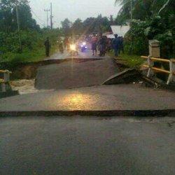 Breaking News: Kata Kepala Desa Batu Penyu Soal Ambruknya Jembatan