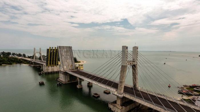 Keren Boy! Ini Video Drone Jembatan Baturusa II yang Panjangnya Sampai 784 Meter
