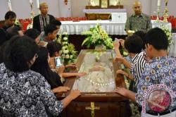 Jenazah Uskup Agung Semarang Hari Ini Diberangkatkan ke Yogyakarta