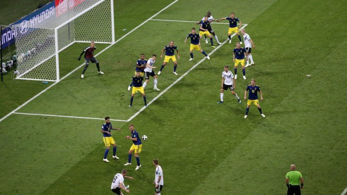 Dramatis, Jerman Pastikan Kemenangan Atas Swedia Saat Injury Time Usai Beknya Diganjar Kartu Merah