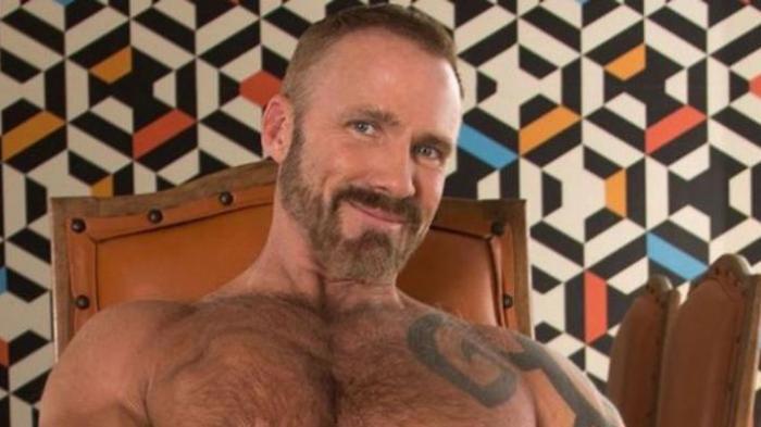 Bosan Kerja Rutin, Presenter Berita Ini Beralih Profesi Jadi Artis Film Porno