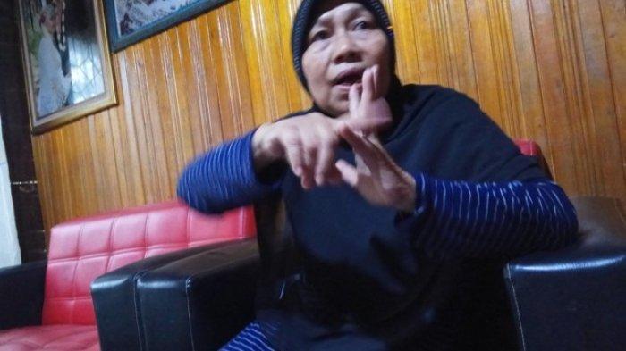 Waduuh, Gigi Palsu Guru Ini Terlepas Setelah Dipukul Orang Tua Murid