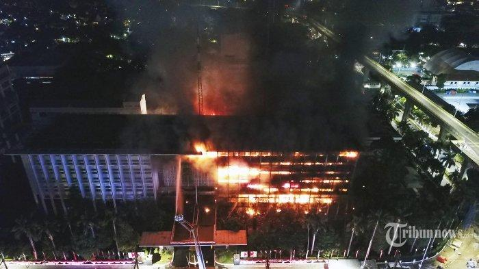 Dibalik Kebakaran Gedung Utama Kejagung, 3 Perkara Besar Ini Jadi Sorotan