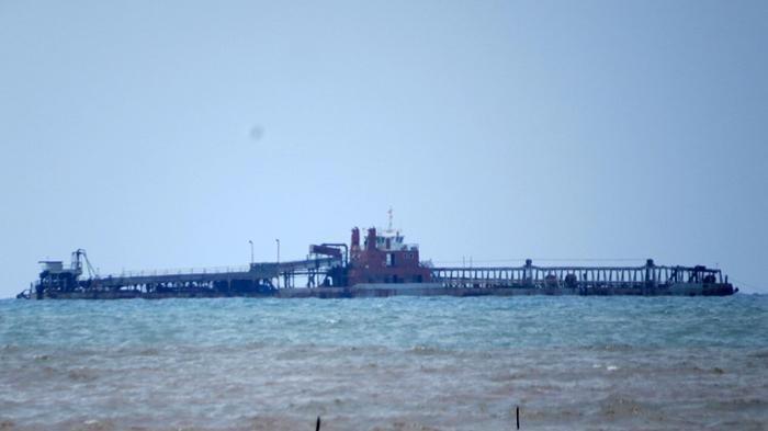 Kapal Isap Pering Pindah ke Perairan Pulau Selandu dan Melidang
