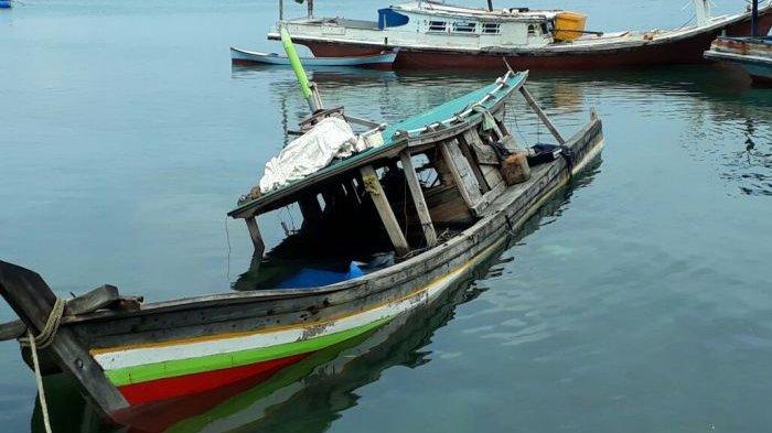 Nelayan Temukan Kapal Tak Bertuan di Perairan Antara Selat Nasik dan Pongok