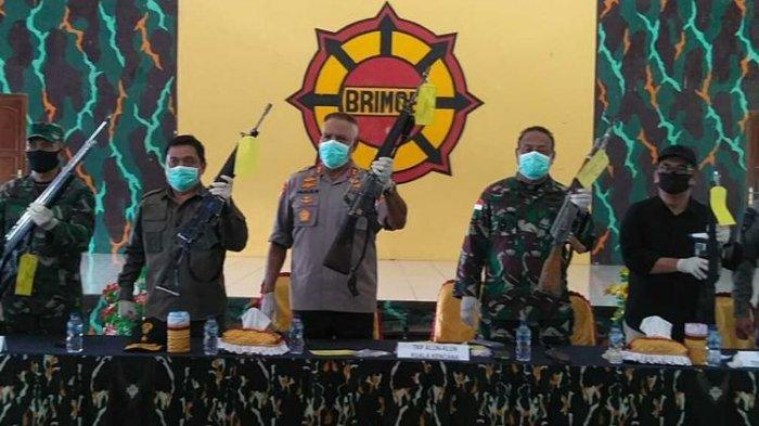 Satu Sniper KKB Pimpinan Lekagak Telenggen Tewas dalam Kontak Senjata dengan TNI-Polri