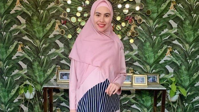 BIODATA Kartika Putri, Artis Serba Bisa Asal Palembang, Dinikahi Ulama Kondang Habib Usman Bin Yahya