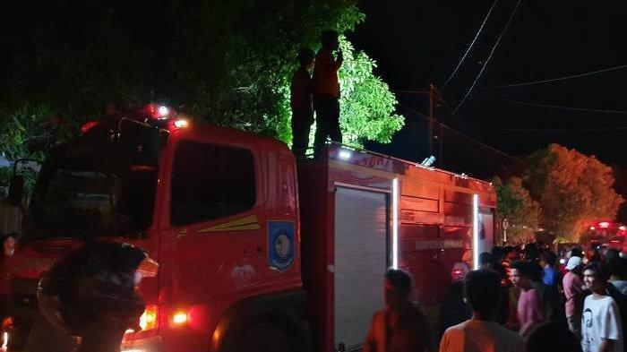 Kebakaran Ludeskan Empat Rumah dan Satu Rumah Kosong di Lorong 3 Pasar Muntok, Terdengar Ledakan Gas