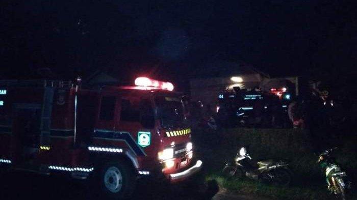Breaking News: Rumah Honorer SD di Kecamatan Gantung Ludes Dilalap Api