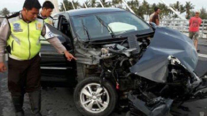 Saat Menghantam Pagar Jembatan, Mahasiswa Ini Bersama Dua Wanita Muda di Dalam mobil