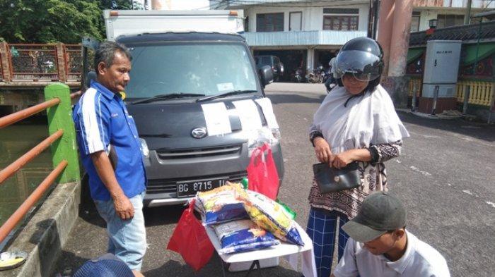 Bulog Tanjungpandan Gelar Operasi Pasar Guna Menjaga Stabilitas Harga