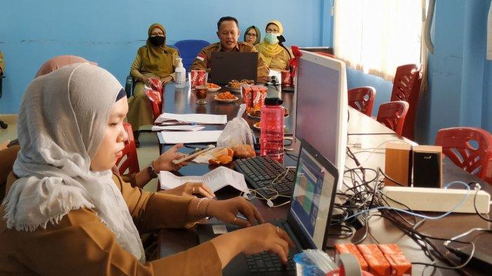Disdukcapil Belitung Menyapa Masyarakat - kepala-dinas-kependudukan-dan-pencatatan-sipil-kabupaten-belitung-robert-2.jpg