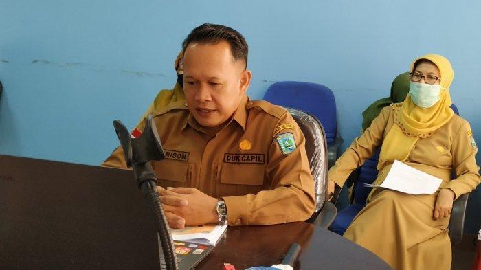 Disdukcapil Belitung Menyapa Masyarakat - kepala-dinas-kependudukan-dan-pencatatan-sipil-kabupaten-belitung-robert-harison-1.jpg