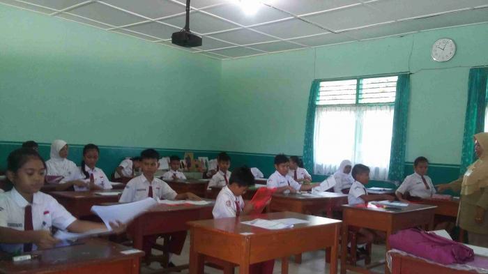 Siswa SD Berprestasi di Pekalongan Bakar 15 Piagam Karena Kecewa Tak Diterima di SMP Impian