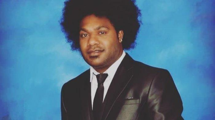 BIODATA Sonny Wanimbo Ketua DPRD Tolikara yang Disebut Berikan Uang Untuk Pasok Senjata KKB Papua