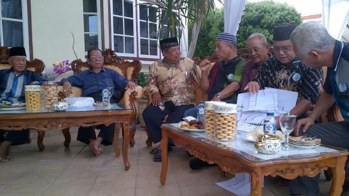 Keturunan Lanun Beramai-ramai Sambangi Rumah Dinas Wabup Belitung Erwandi
