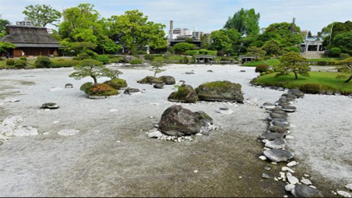 Pascagempa di Jepang, Sebuah Kolam Tiba-tiba Mengering