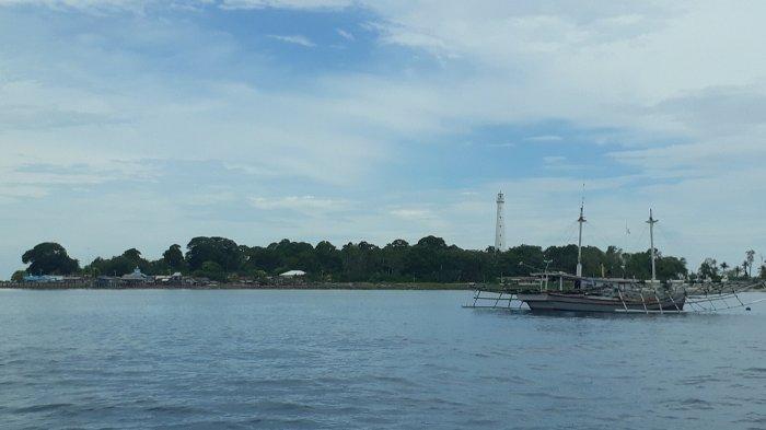 Selama Ini Terisolir, Akhinya Masyarakat Desa Pulau Sumedang Bisa Menikmati Akses Telekomunikasi