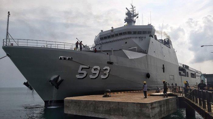 Laksanakan Pelatihan Marinir, KRI Banda Aceh-593 Tiba Di Pulau Belitung Bawa Kendaraan Tempur
