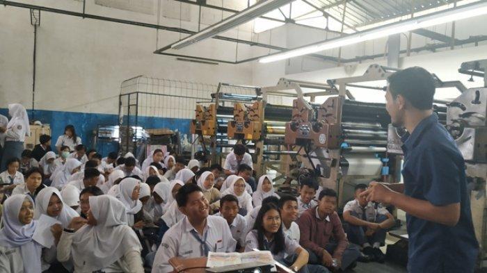 Tertarik Jurnalistik, Siswa SMA Negeri 1 Tanjungpandan Kunjungan ke Pos Belitung