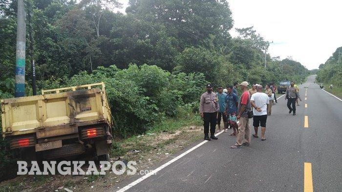 BREAKING NEWS: Kecelakaan Truk VS Motor di Simpang Renggiang, Ini Kronologis dan Identitas Korban