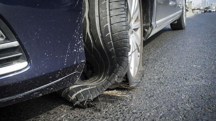 Jangan Injak Rem Saat Ban Mobil Pecah di Jalan Raya, Tapi Coba Lakukan Ini Agar Tidak Celaka