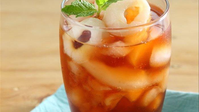 Tanpa Perlu Repot, Leci Honey Ice Tea yang Segar Ini Bisa Kita Buat di Rumah