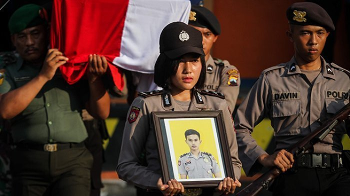 Kekasih Polisi Korban Bom Sempat Mimpi Ini, 15 Menit Sebelum Ledakan Sempat WA Pacar