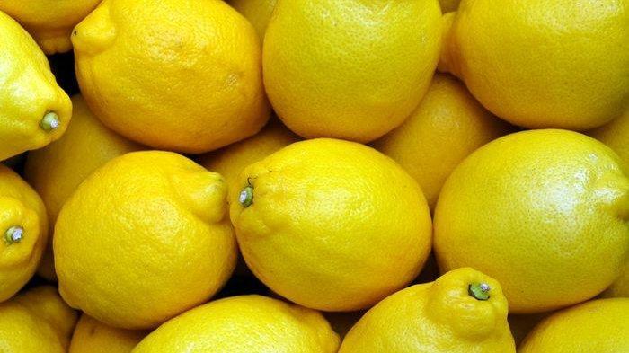 Sesimpel Ini Menghilangkan Karang Gigi Cuma Pakai Lemon, Mau Coba, Begini Caranya!