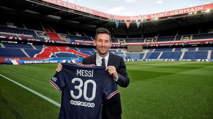Lionel Messi secara resmi diperkenalkan oleh PSG, Selasa (10/8/2021) malam WIB