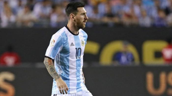 Lihat Aksi Memukau Lionel Messi Yang Bikin Pemain Cadangan Melongo