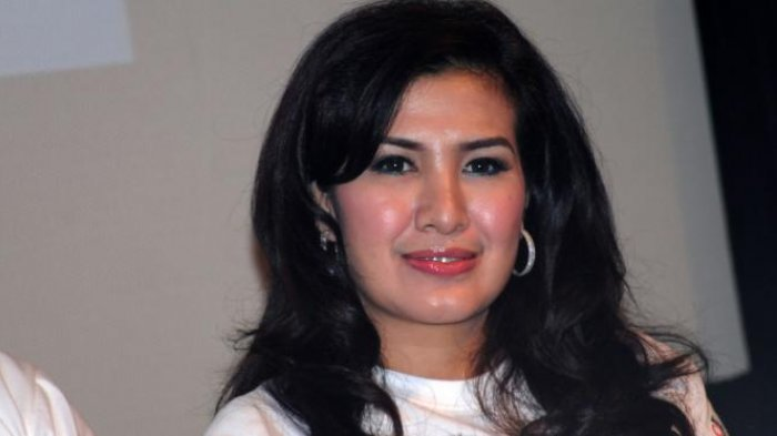 Yuk Senam Zumba Bareng Liza Natalia di Belitung