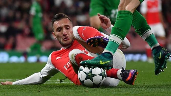 Penyerang Arsenal Ini Harus Menepi Delapan Pekan, Wenger Siap Pasang Dua Striker Ini
