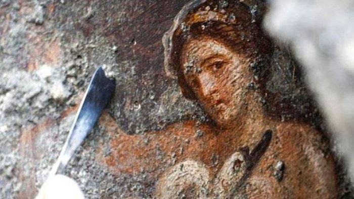 Ditemukan Lukisan Erotis Ratu Leda dan Angsa di Reruntuhan Pompeii