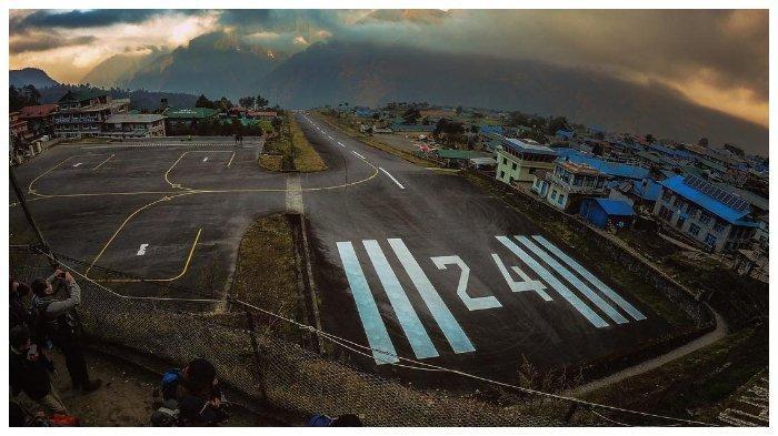 Inilah Bandara Paling Berbahaya di Dunia Dekat Gunung Himalaya