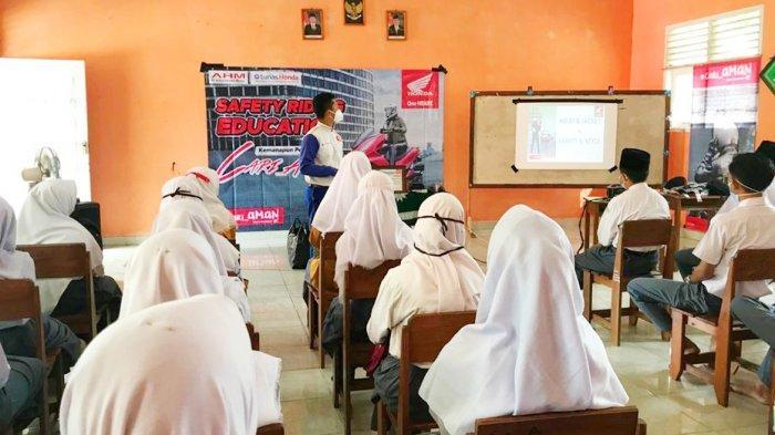 PT Asia Surya Perkasa Ajak Pelajar Madrasah Aliyah Muhammadiyah Gantung untuk Cari_aMan