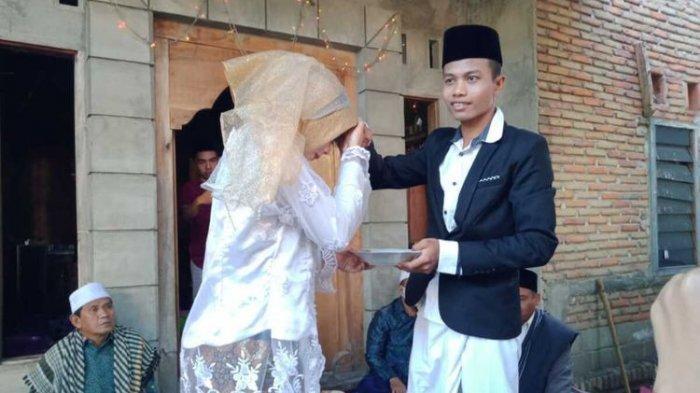 Tak Mau Memberatkan Suami, Pengantin dengan Mahar Pernikahan Rp 1000 Bergambar Pattimura Ini Viral
