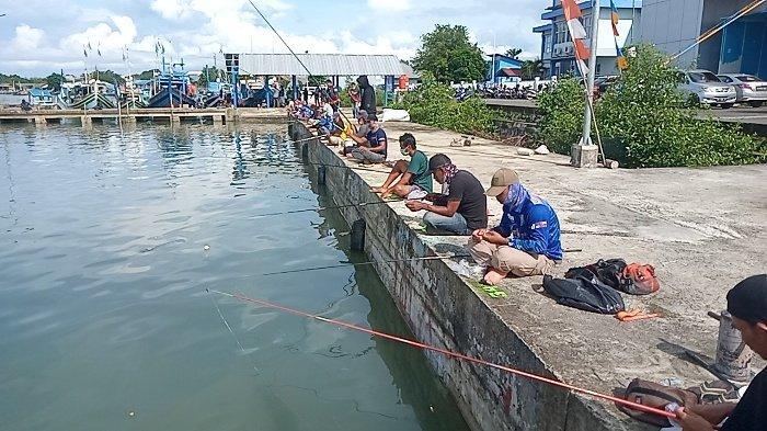 Sering Lihat Pemancing di Dermaga, Satpolairud Polres Belitung Gelar Lomba Mancing Ikan Libam