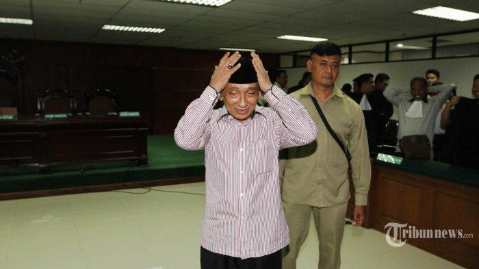 Terbukti Lakukan Pencucian Uang, Fuad Amin Divonis 8 Tahun Bui