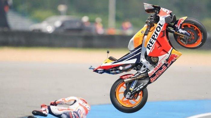 Keanehan Dari Insiden Kecelakaan Marquez di FP1 MotoGP Thailand, Mirip Lorenzo Tahun Lalu