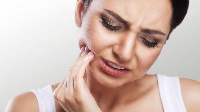 Bahan-bahan Dapur Ini Ampuh Bantu Masalah Utama Pada Gigi!