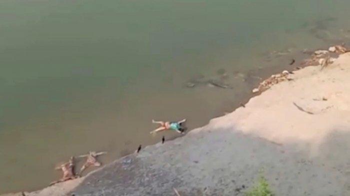 Puluhan Mayat Akibat Covid-19 Mengapung di Sungai Gangga, Suasana India Mencekam dan Mengerikan