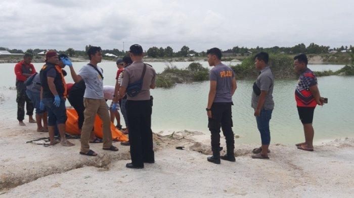 BREAKING NEWS Warga Heboh Mayat Perempuan Ditemukan Mengambang di Kolong Air Serkuk