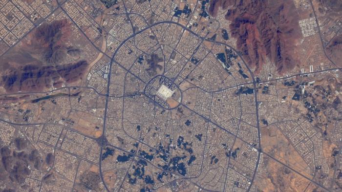 Ini Foto Kota Suci Mekah yang Dipotret Kru Stasiun Luar Angkasa Internasional asal Inggris