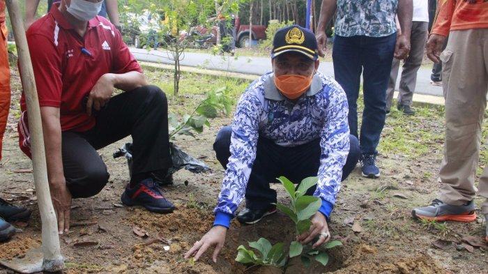 Pemkab Belitung Tanam Pohon Memperingati Hari Lingkungan Hidup se-Dunia