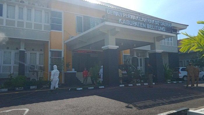 Gedung DPRD Belitung Kembali Disemprot Disinfektan, 11 Orang Sudah Dinyatakan Negatif Swab