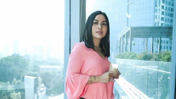 Melaney Ricardo Akui Lima Bulan Tak Berhubungan Suami Istri,Terbawa Mimpi hingga Ada Godaan