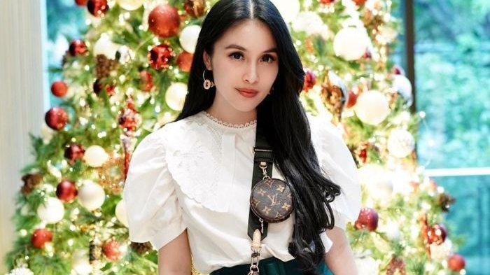 Sandra Dewi Dipuji Netizen, Punya Dua Anak Penampilan Masih Seperti ABG